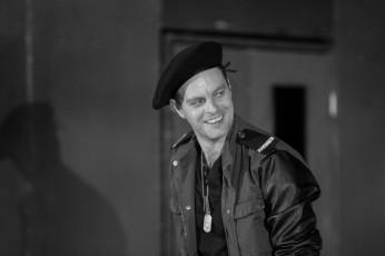 Jan Teplý v Othellovi (zdroj: facebook Divadla pod Palmovkou)