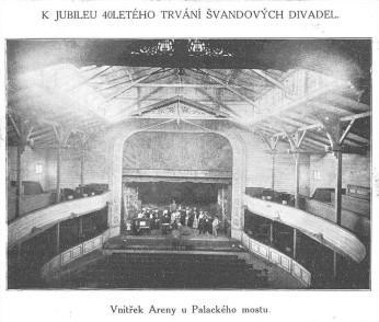 10_A takhle vypadala smíchovská Aréna uvnitř_foto archiv Švandova divadla