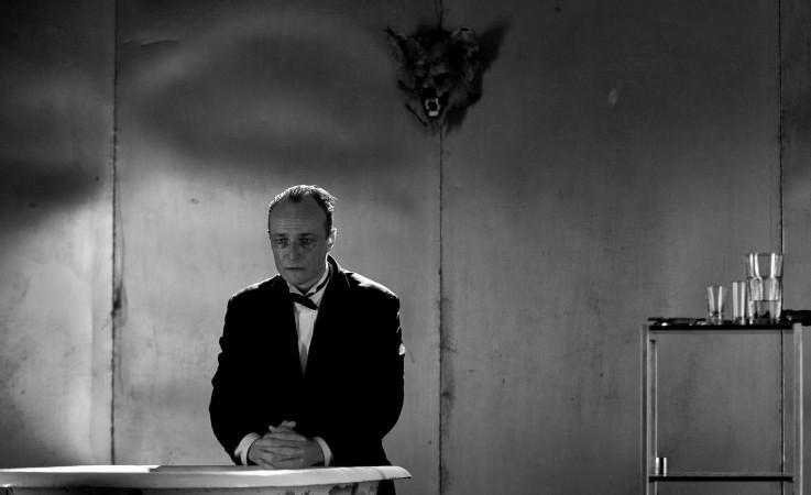 Karel Dobrý v hlavní roli inscenace Den opričníka (Studio Hrdinů) foto: Jan Dvořák