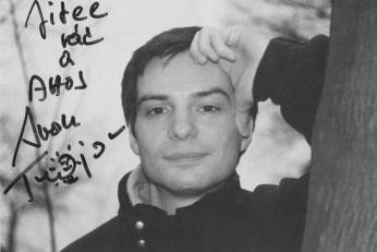 Fotografie s podpisem autorce z doby, kdy ještě nebyl mediálně známý.