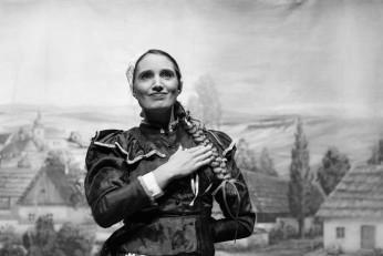 Prodaná nevěsta na prknech Prozatímního, Stavovského a Národního divadla v letech 1868 až 2020 - fotografie