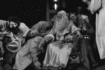 Věštkyne, vraždy a jasnovidci, Zdroj: Archiv Městských divadel pražských